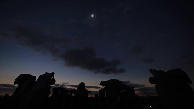 Timelapse of Monday's solar eclipse from Nebraska