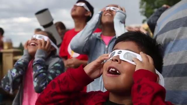 Solar eclipse puts on a show in Des Moines