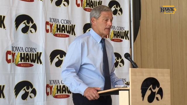 Kirk Ferentz finds Ed Cunningham remarks 'offensive'