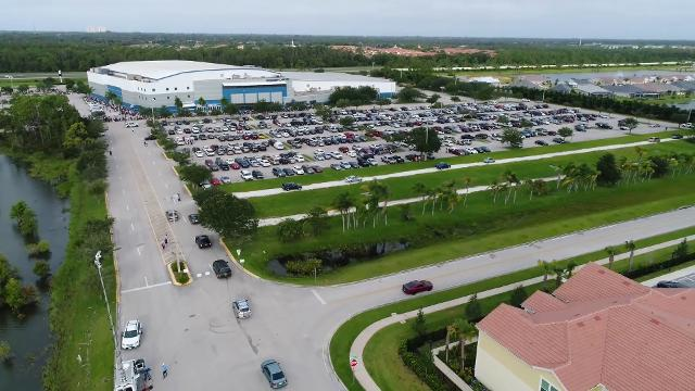 Evacuees arrive in droves at Florida shelter ahead of Irma