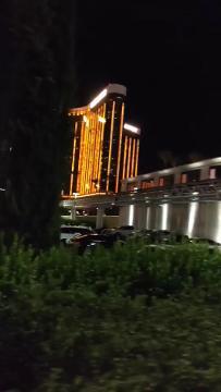 RAW: Iowan runs from gunfire during Las Vegas shooting