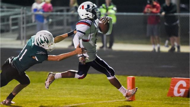 Each CIML football game for Week 9 of the Iowa high school football season.