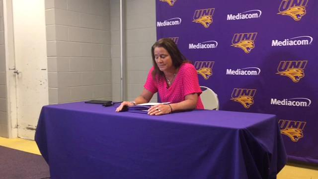 Northern Iowa beat Drake's volleyball team Tuesday, in a match that had the two schools tied for second place in the MVC.