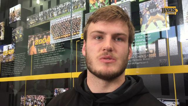 Ben Niemann on Wisconsin's offensive line: 'Those guys are huge'