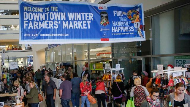 Shoppers are seeking 'mallternatives' for their holiday shopping. Several holiday markets are popping up in the metro.