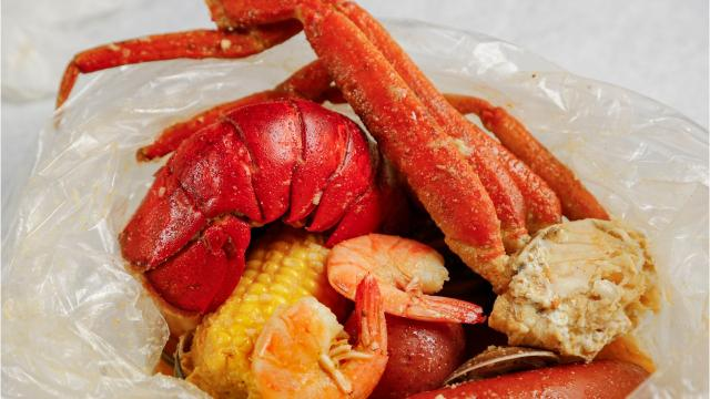 Enjoy a traditional seafood boil at the Seafood Trap in Des Moines.