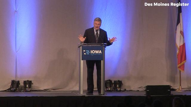 Alec Baldwin gives his impression of Donald Trump during the Iowa Democrats 2017 Fall Gala on Monday, Nov. 27, 2017, at Hy-Vee Hall in Des Moines.