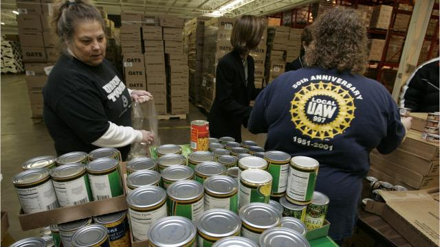 The Des Moines Area Religious Council is asking that people who plan to donate this holiday season spend extra money for healthier options.