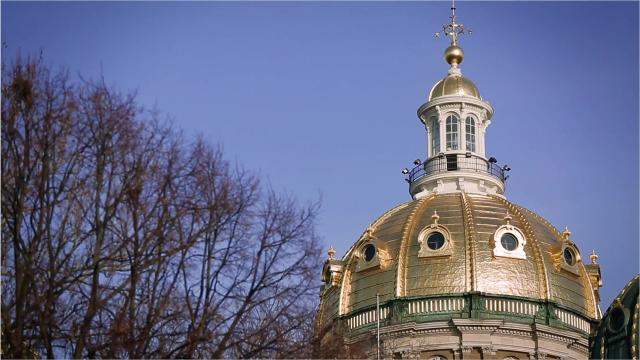 A new Iowa Poll looks at how residents approve and disapprove of some of their top legislative issues.