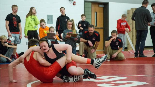 Wrestler with Down syndrome finishes his middle school season with a pin