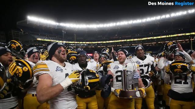 Iowa sings 'Fight for Iowa' after winning Pinstripe Bowl
