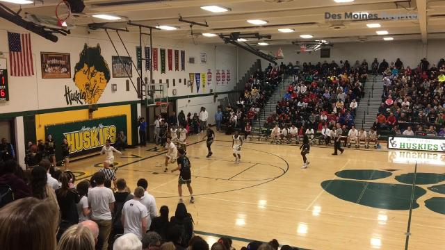 Watch Des Moines North PG Tyreke Locure show off passing skills