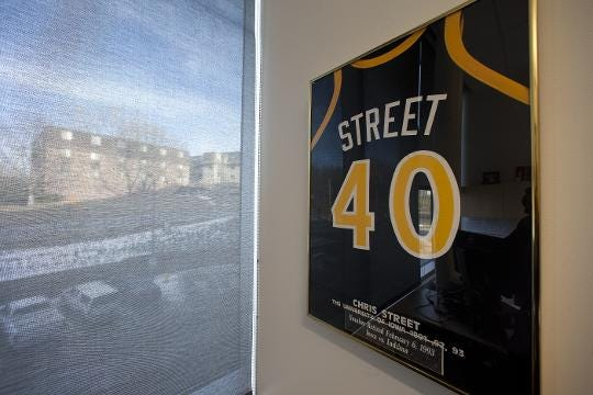 Former Iowa assistant Gary Close remembers Chris Street