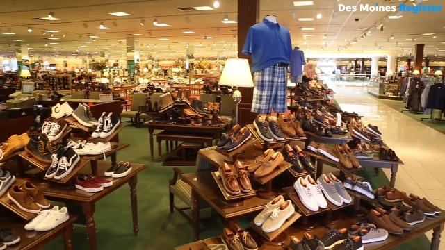 Von Maur will debut the two-level store in the fall of 2022. The store will feature an updated floor plan including several redesigned departments including juniors, women's clothing, shoes, dresses, young men's, cosmetics and lingerie.