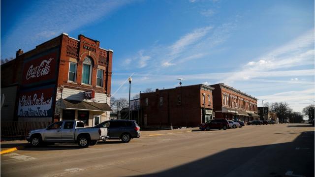 Iowa Senate Leader Bill Dixs Downfall Leaves Neighbors Suspicious