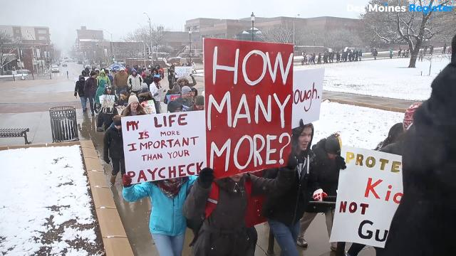 """Between 3,000 and 4,000 people braved the snow and cold to participate in the """"March for our Lives,"""" a protest for gun legislation, in Des Moines."""