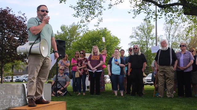 Iowans rally in Mount Pleasant against ICE raids