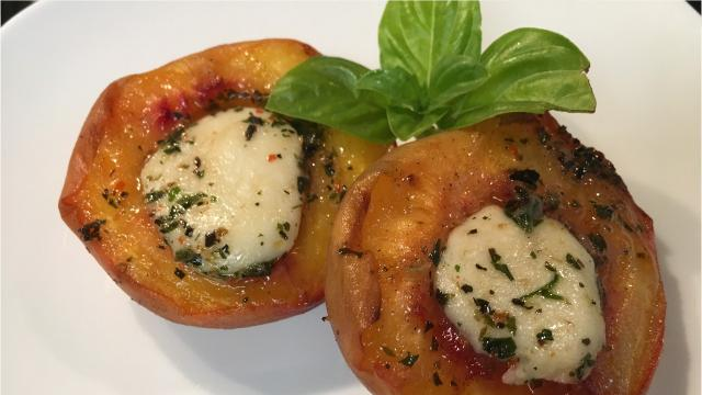 Here's how to make grilled peaches topped with mozzarella.