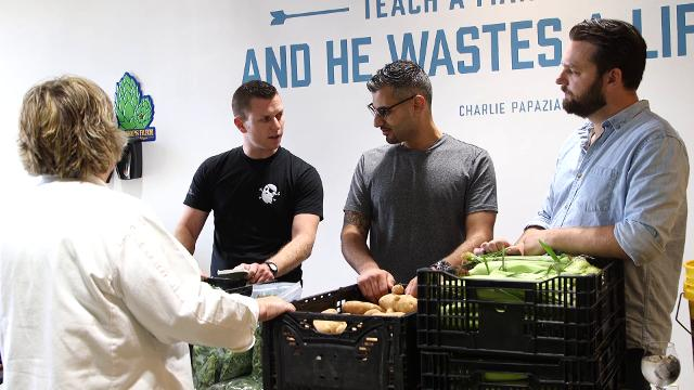 Detroit chefs give rescued food a gourmet makeover to feed - Chef gourmet 4000 ...