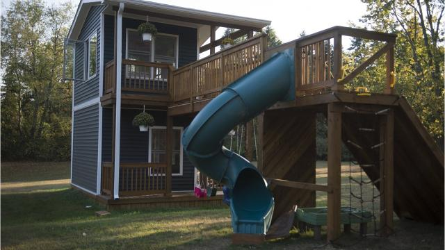 Michigan dad builds giant playhouse for his daughters