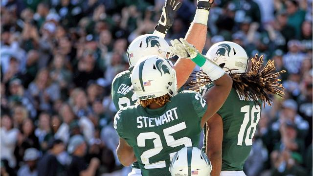 We take a look at the five biggest plays from the Spartans' 17-10 win over the Hawkeyes at Spartan Stadium on Saturday, Sept. 30, 2017. Video by Marlowe Alter, Detroit Free Press.