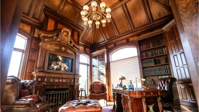 Orchard Lake mansion has elaborate architecture