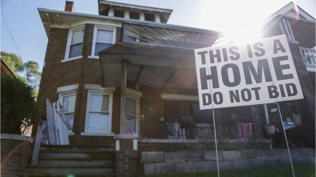 Tax foreclosure auction forces Detroiters out of homes