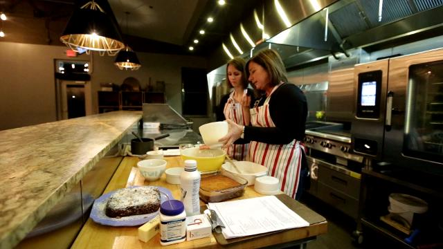 Ethel's Baking Co. demonstrates sticky toffee date cake during 2017 Whisked.