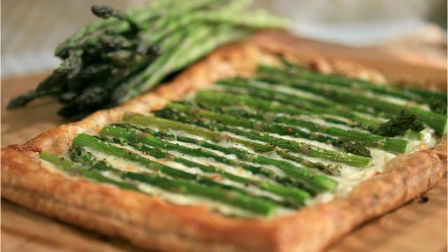Recipe: Follow these steps to make an easy asparagus tart.