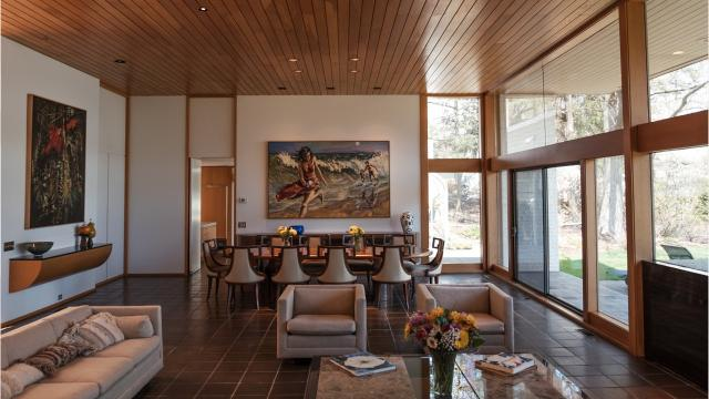 The renowned late architect Irving Tobocman designed this Bloomfield Hills house 40 years ago, and for 40 years its only owners have been the clients who commissioned it.