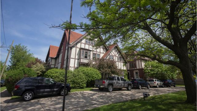 This massive 1903 Arts and Crafts mansion was designed by the great architect William Stratton, but it hasn't been used as a home for decades.