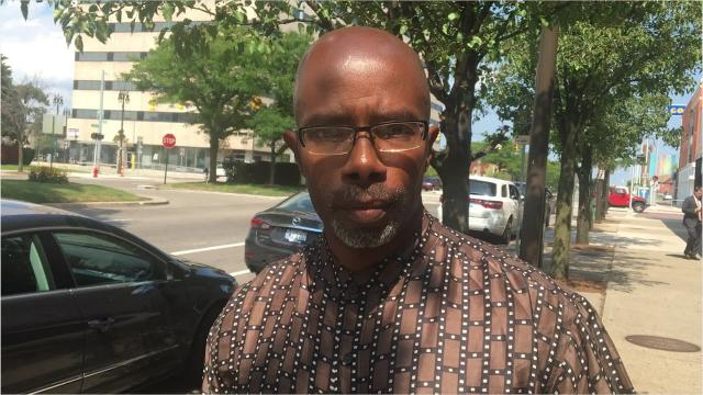 After serving 34 years behind bars for a murder he said he didn't commit, Darrell Siggers is out of jail awaiting a new trial.