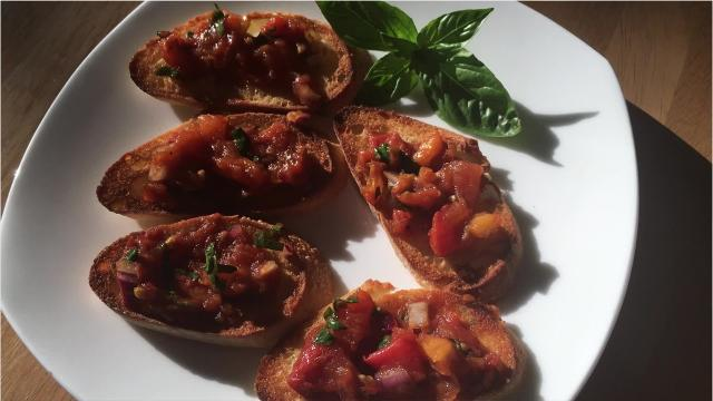 Here's how to make Roasted Tomato Bruschetta
