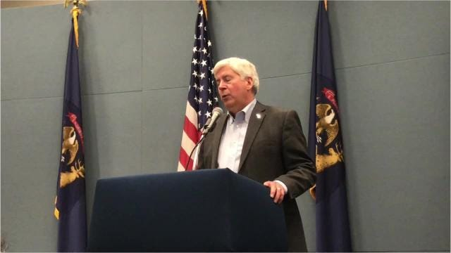 Gov. Rick Snyder said Tuesday that both sides in a labor dispute halting road construction projects remain at an impasse, after he met with them together on Tuesday morning.
