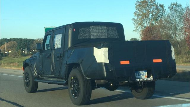 Death Wobble Jeep >> Jeep Scrambler Spotted On I 94