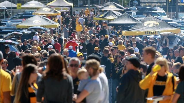 10 places to checkout if you need a place to tailgate for Iowa football.
