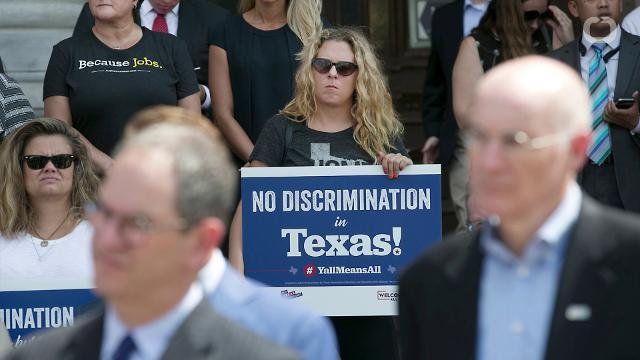 Transgender 'Bathroom Bill' Approved By Texas Senate
