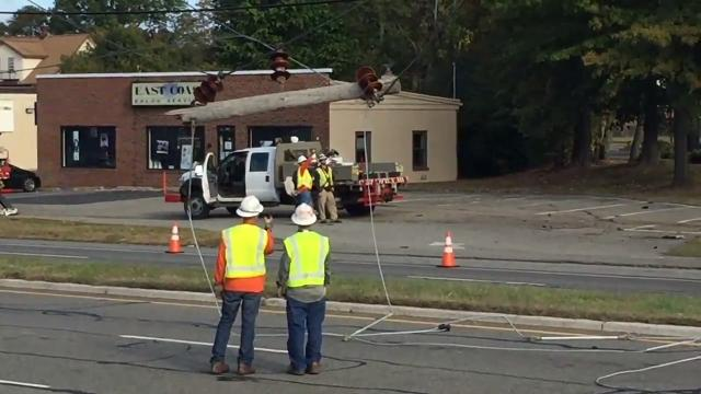 Watch: Pole repair after Rt  46 crash in PArsippany