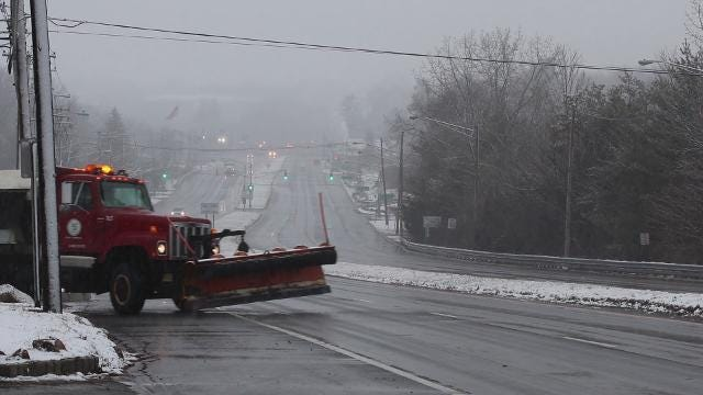 RAW VIDEO: Salt and snow plows prepare for nor'easter on Route 46 in Parsippany