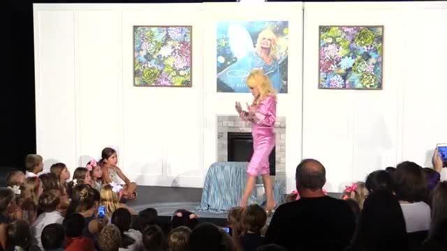 "Dolly Parton announces children's album ""I Believe in You"""