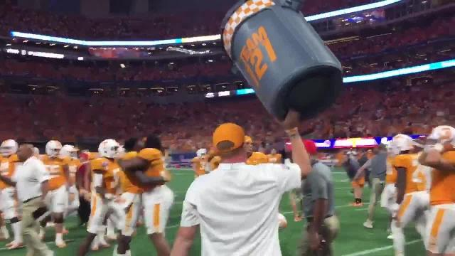 Vols hoist trash can after winning against Georgia Tech
