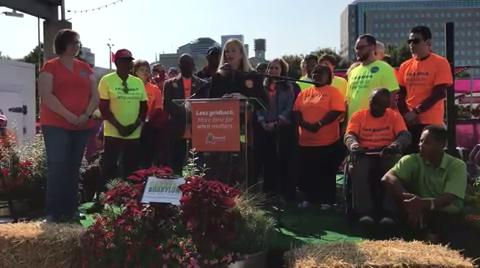 Mayor Megan Barry kicks off petition-drive for transit funding