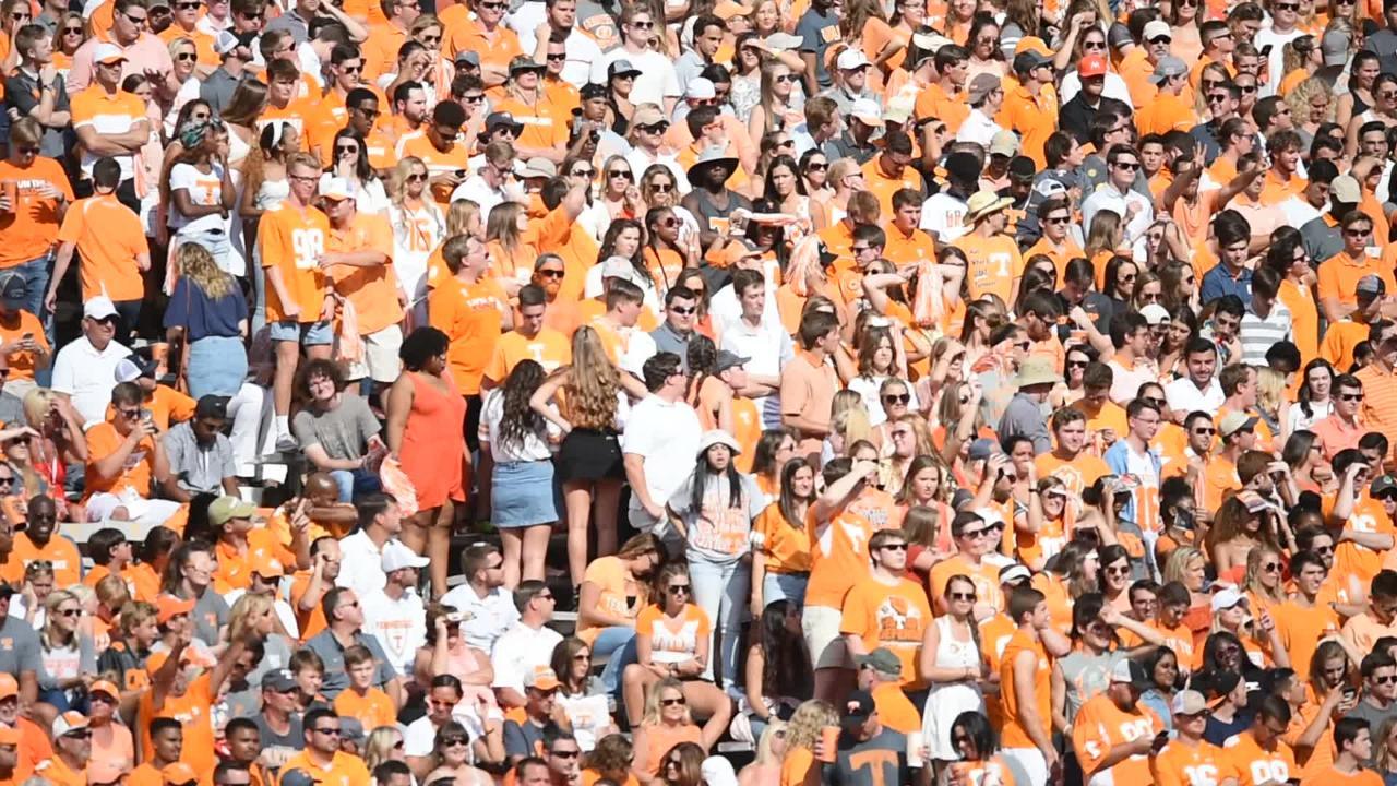 Tennessee Vols fans pack Neyland Stadium