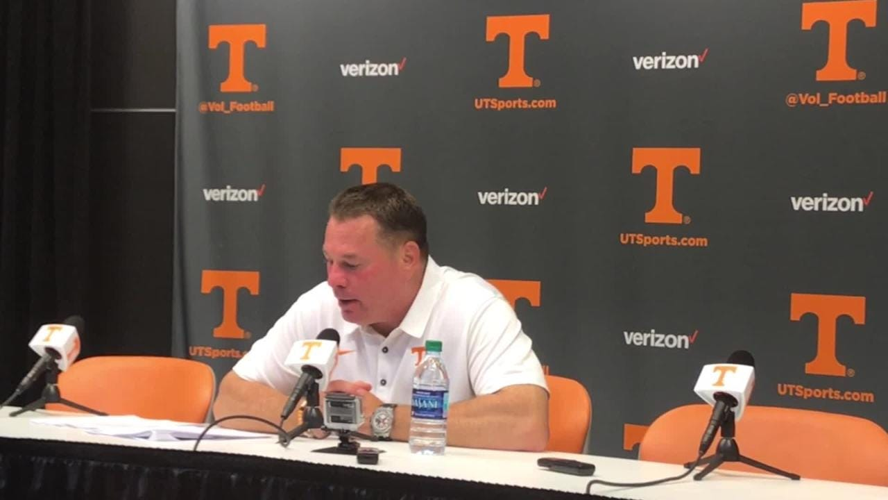 Butch Jones: Tennessee Vols' game 'unacceptable'