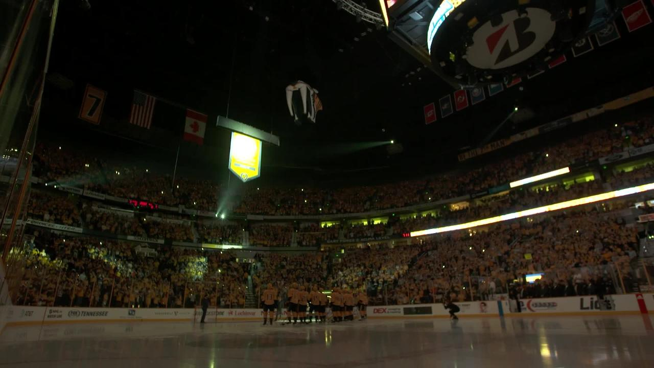 Predators raise Western Conference champions banner at home opener