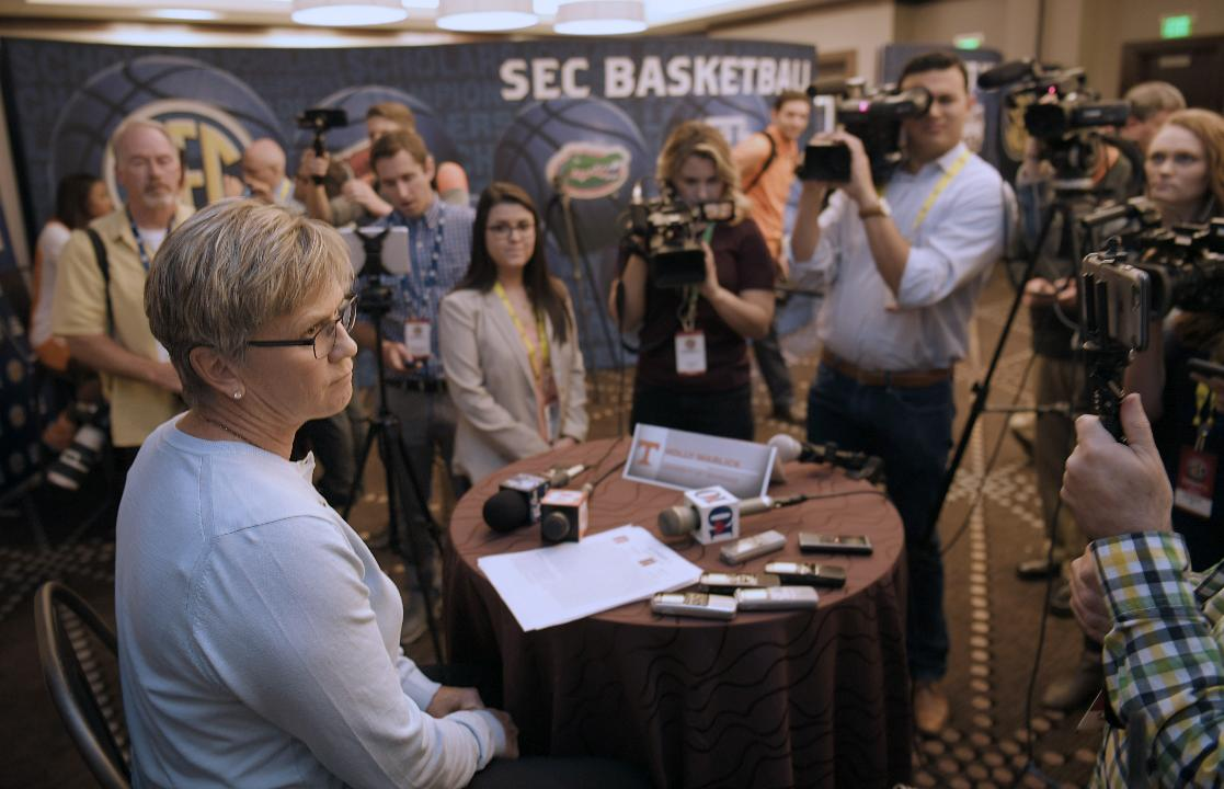 How will the Lady Vols build on youthful roster this season?