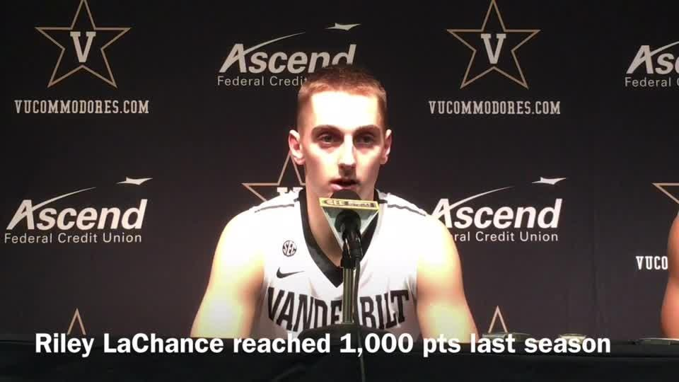 Third Vanderbilt senior joins 1,000-point club