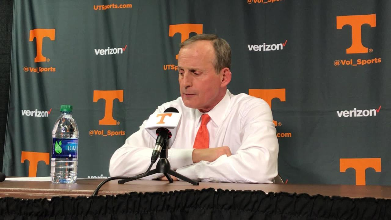 Rick Barnes praises 'tremendous' Vols crowd against Kentucky