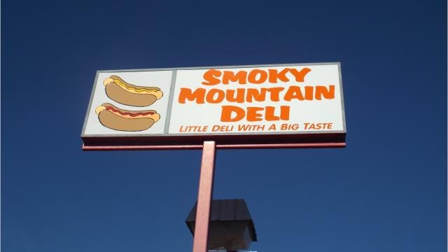 New deli offers hot dogs reminiscent of the dogs made popular at Smoky Mountain Market years ago.