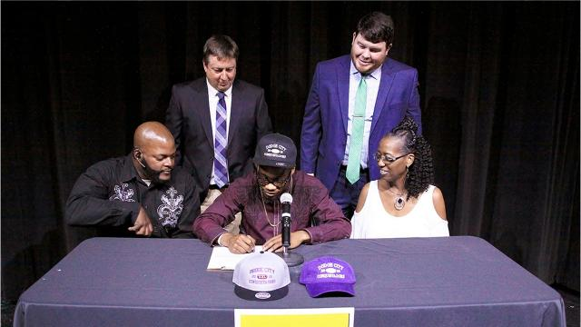 Fairview High's Darius James signs to play college football with Dodge City Conquistadors